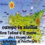 Campo in Sicilia tra l'Etna e il mare