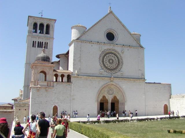 Da Assisi, festa di una Repubblica che ripudia la guerra
