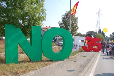 Stop F35: VIDEO di don Renato Sacco alla Perugia Assisi