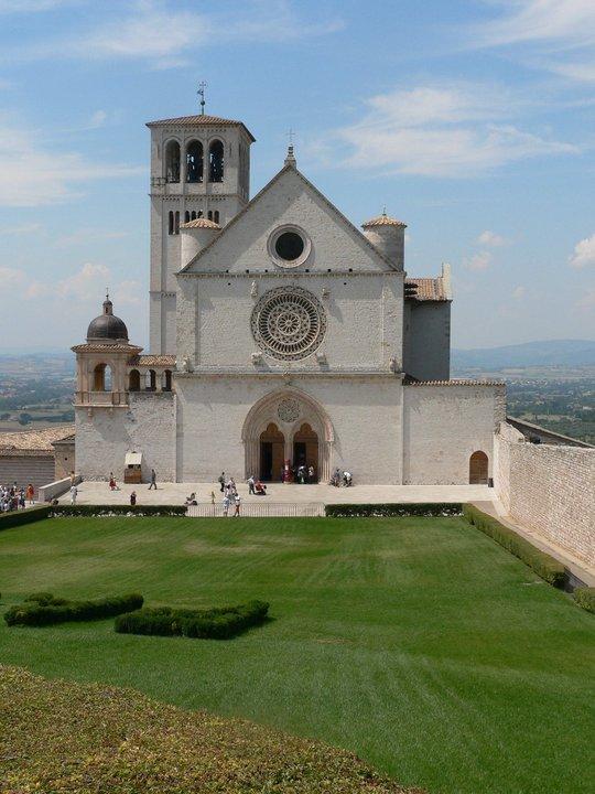 da Assisi al mondo: basta con la guerra, sia pace!
