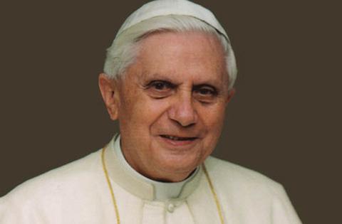 Benedetto: …e la chiesa comincia ad assomigliare a quella del Concilio