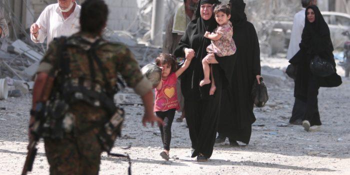 """Siria, Manbji in mano ai turchi. Amnesty: """"A Raqqa starge di civili"""""""