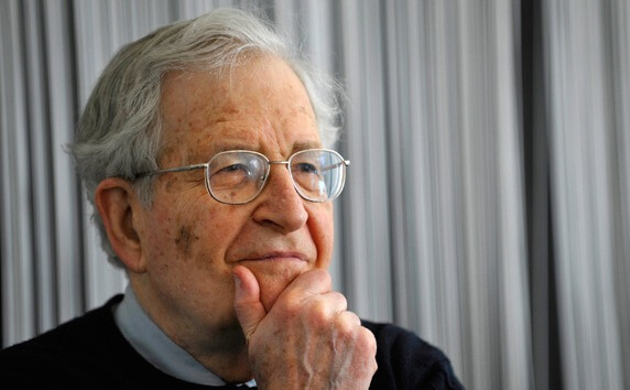 Chomsky spiega l'ostilità degli Usa verso l'Iran
