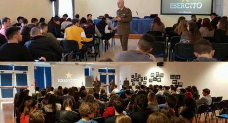 Militari e scuole pubbliche: quale scopo hanno?